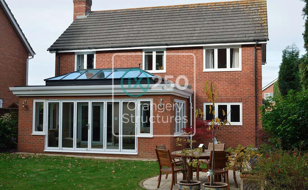 An extension with an iX250 roof installation